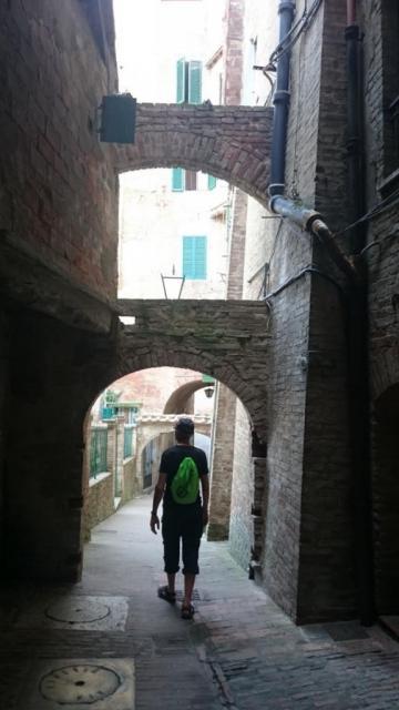 Ruelle à Sienne (Toscane)